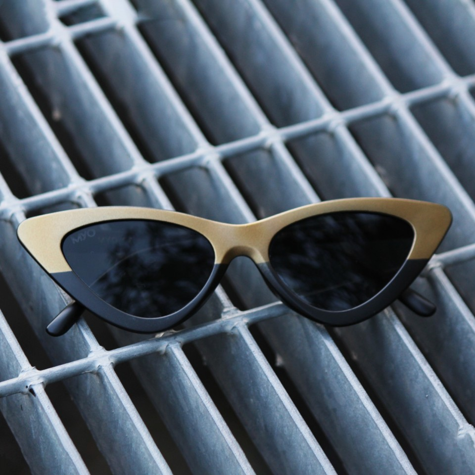 Flynet Matte Gold Black