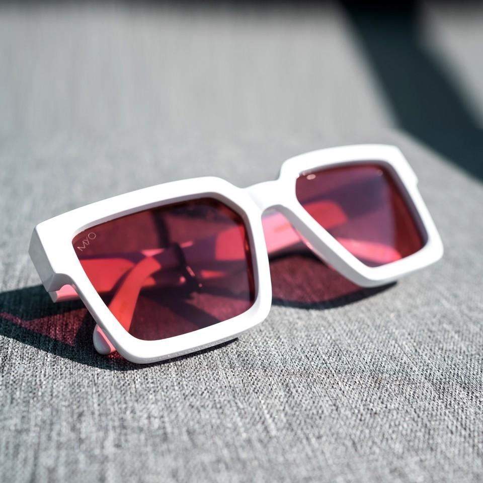 Kanye White Red