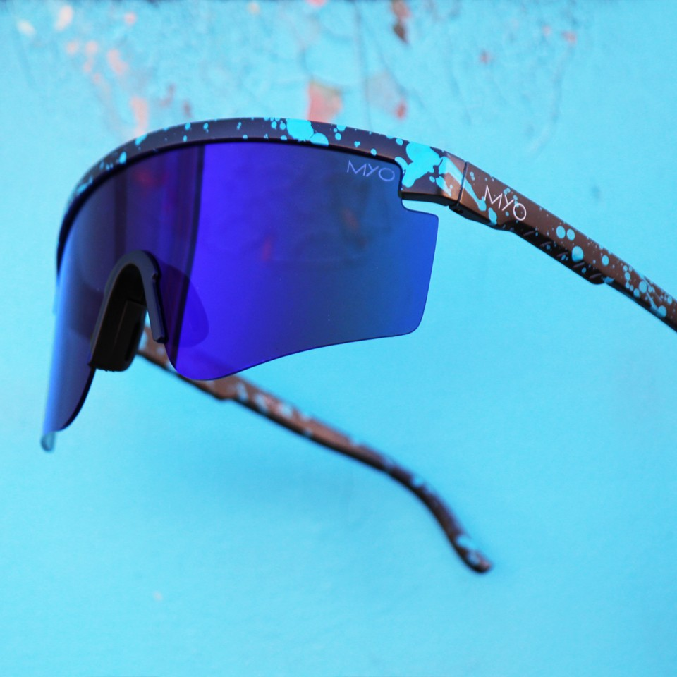 Radius Black Blue
